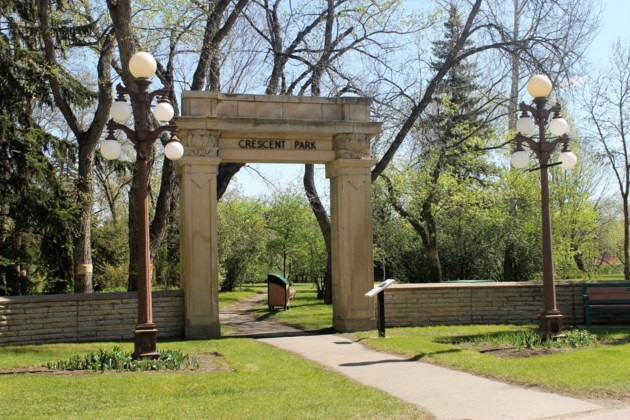crescent park arch spring 2019 d