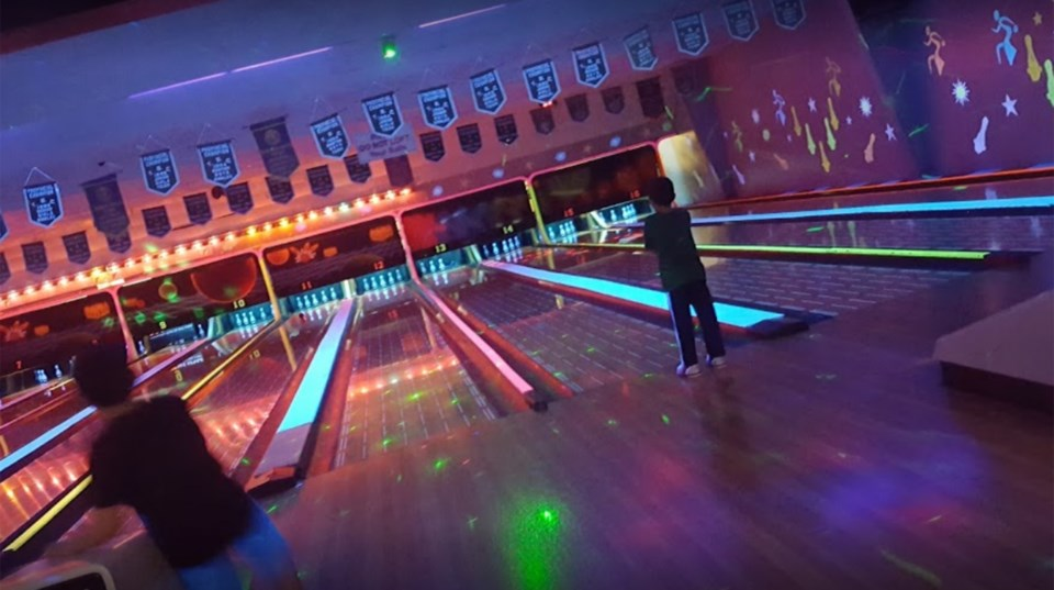 South Hill glo bowling