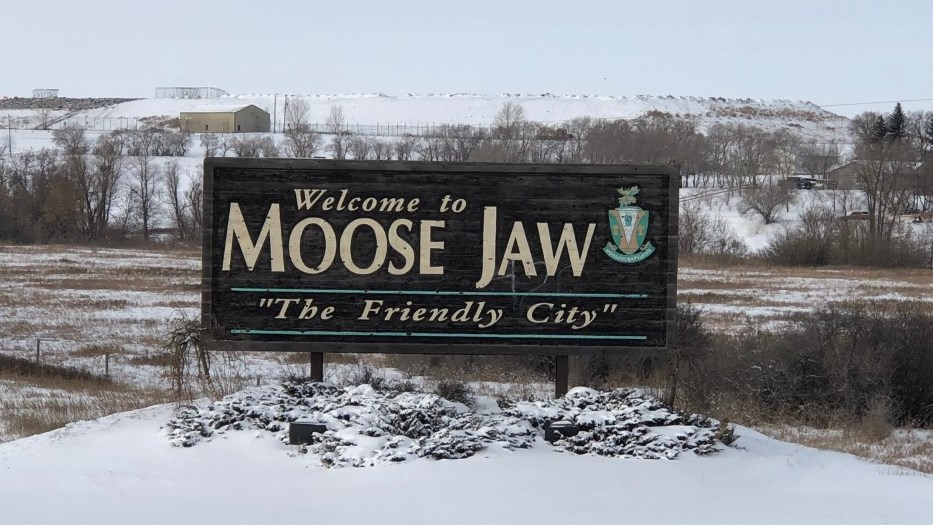 moose jaw friendly city sign