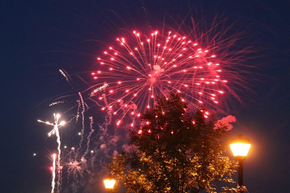 L Canada day fireworks