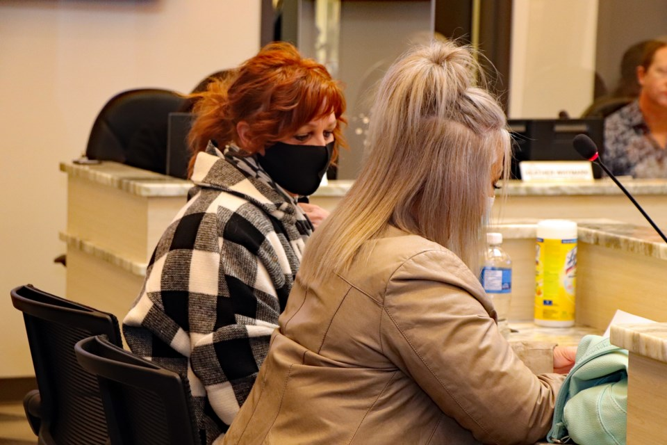 Innisfail hair salon owners Donna Nazar-Whitehead, left, and Kristen Scott addressing town council on Jan. 18. Johnnie Bachusky/MVP Staff