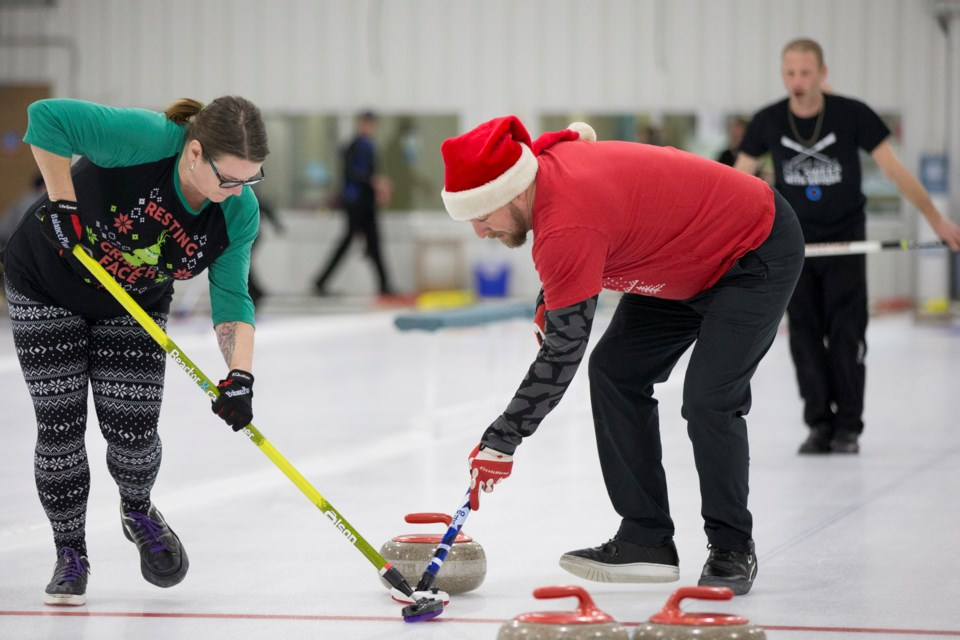 MVT carstairs christmas curling-11