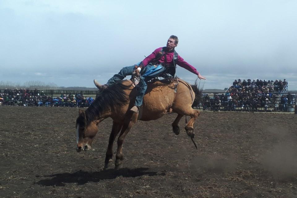 MVT No Lockdown rodeo bareback-3