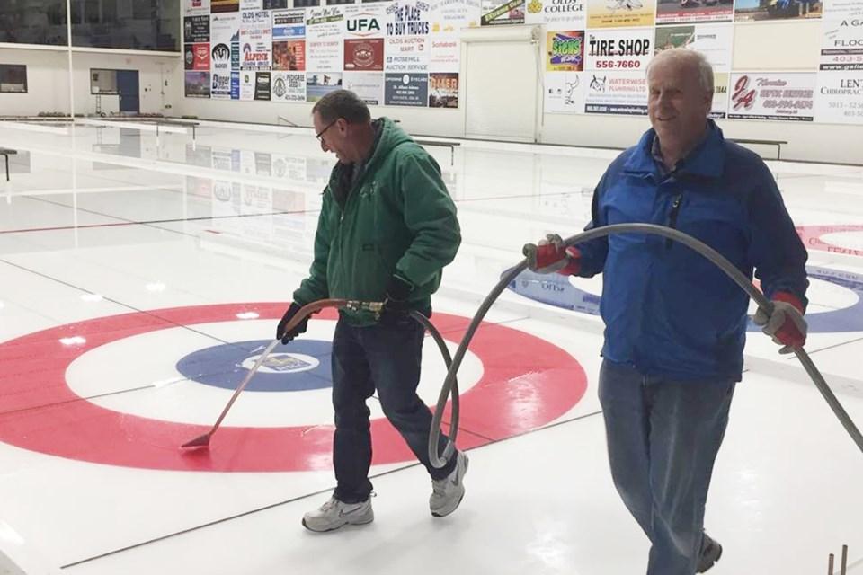 mvt Olds curling icemaker