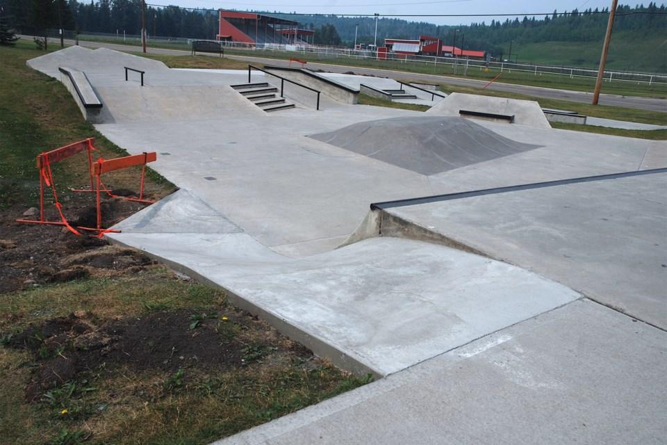 MVT Sundre Skatepark roll-in feature 1