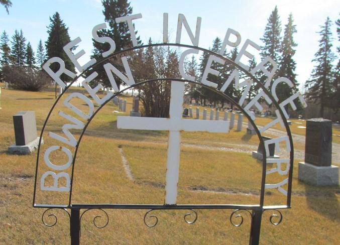 mvtBowden cemetery sign