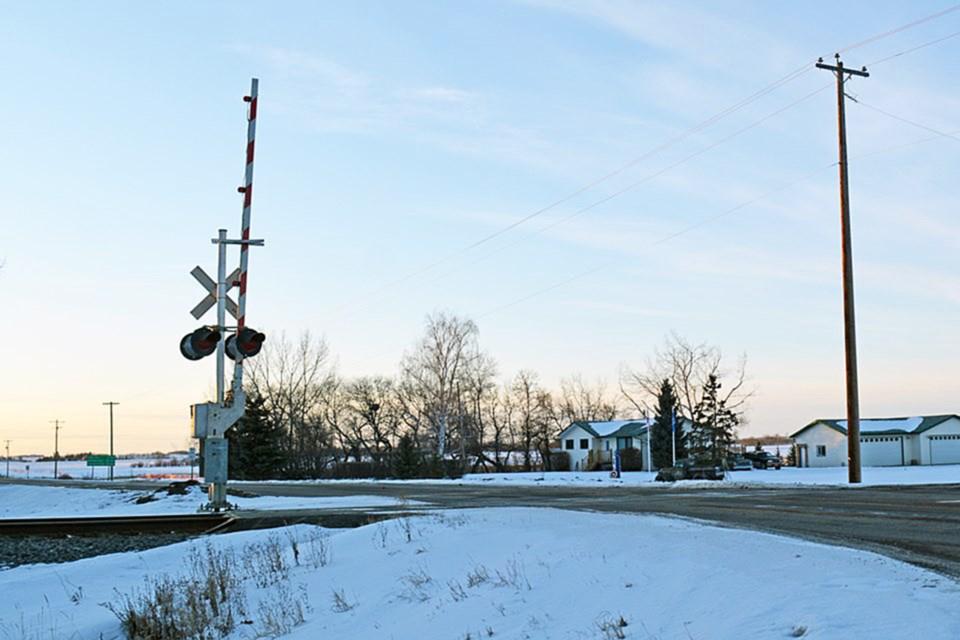 WEB Penhold highway train crossing