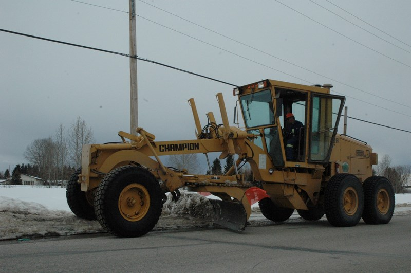 Crews clean Sundre streets