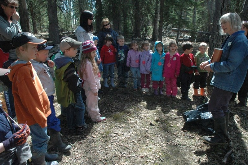 Kids enjoy a trip to Bearberry Greenhouse