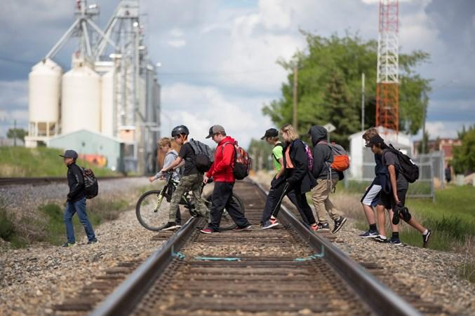 Rail crossing Web