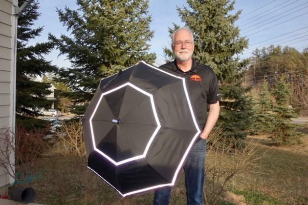 2019 04 16 John Vickers with LifeLight Umbrella DK