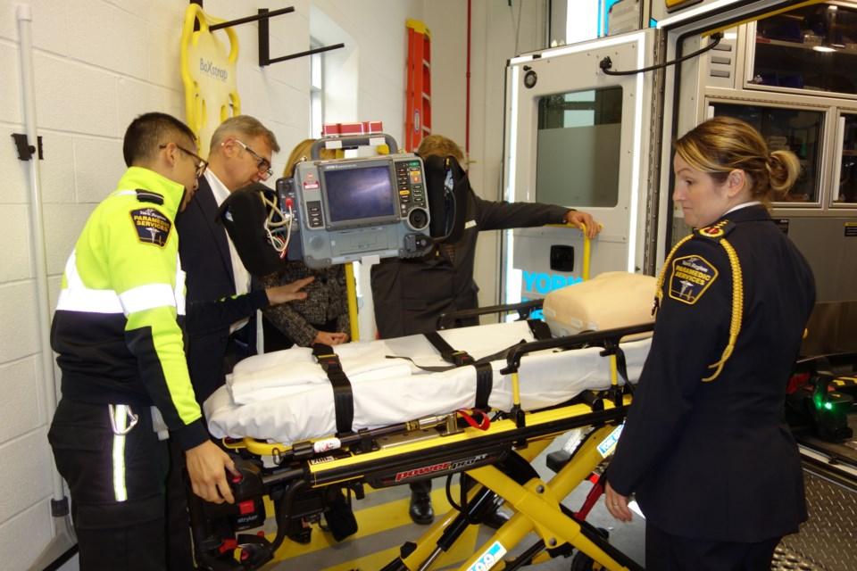 2019 10 16 New paramedic station stretcher DK