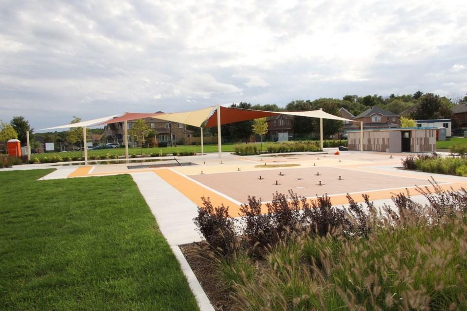 20200914 dr margaret akinstall park splash pad
