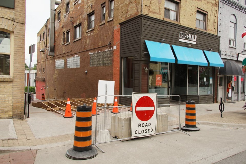 The Town of Newmarket has temporarily closed the laneway between Main Street and Doug Duncan Drive to make way for patios. The laneway remains open to pedestrians. Greg King for NewmarketToday