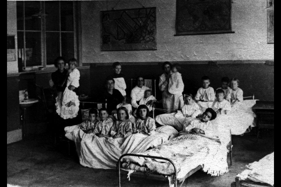 An hospital ward during the Spanish flu epidemic.