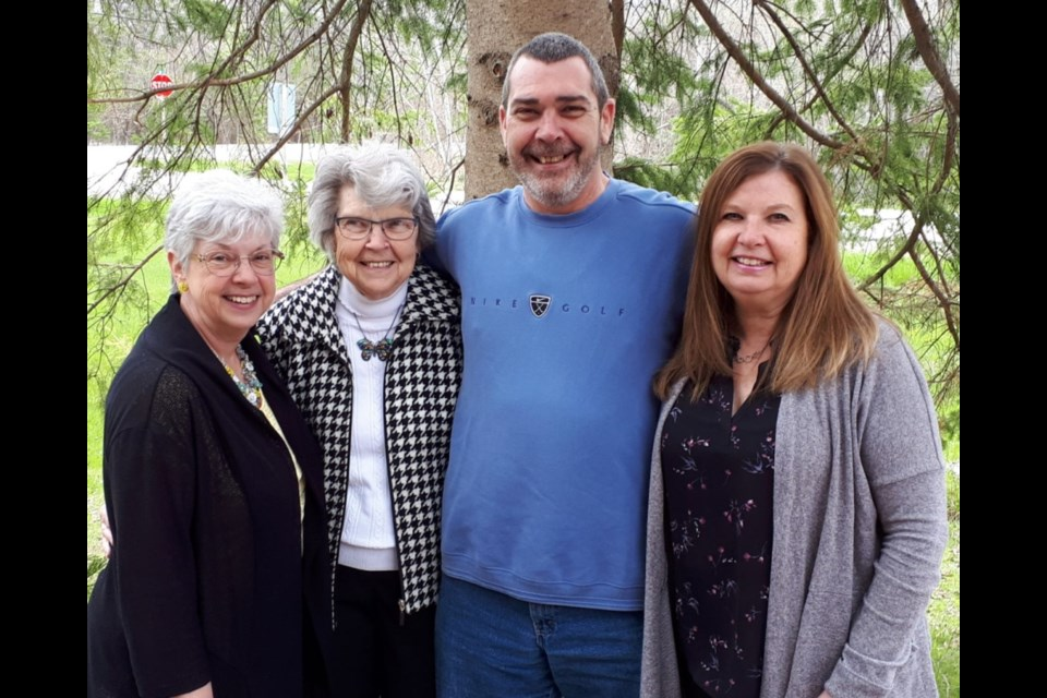 Cynthia Wallbank, mom Shirley, and siblings Jeffrey and Shelley. Supplied photo/ Cynthia Wallbank photo
