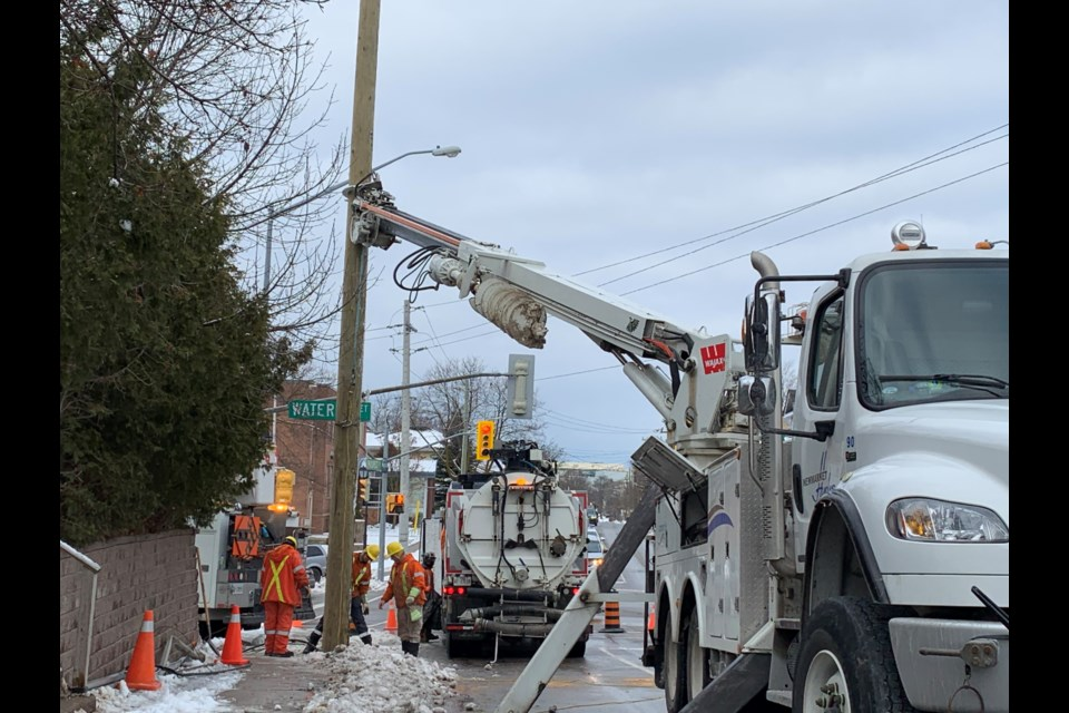 A downed hydro pole is causing traffic delays on Prospect Street in Newmarket. Debora Kelly/NewmarketToday