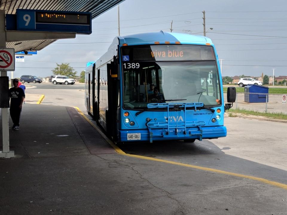 2018-09-01 Viva bus at GO station KC
