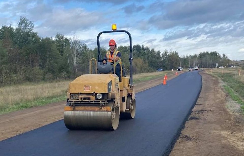 'Greener' asphalt tried out in City of Thunder Bay