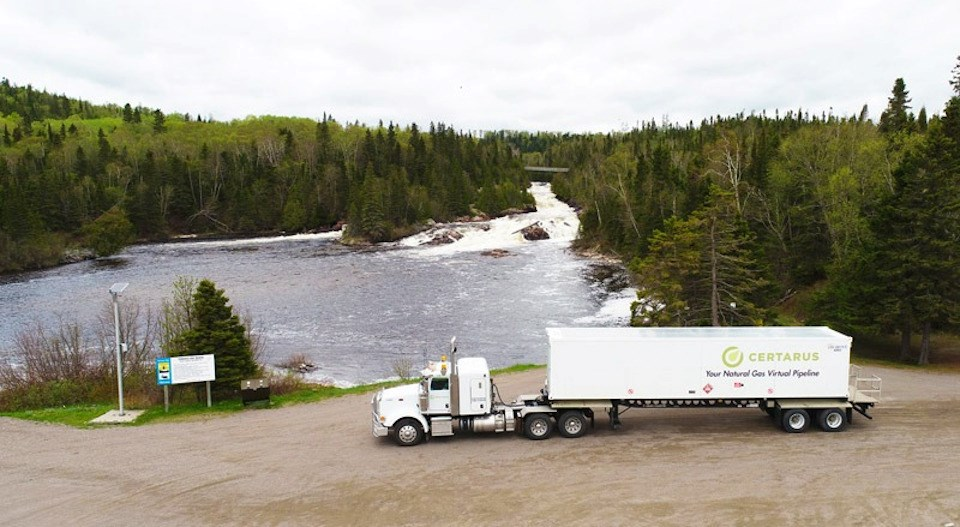 One of Certarus' compressed natural  gas delivery trucks (Certarus photo)