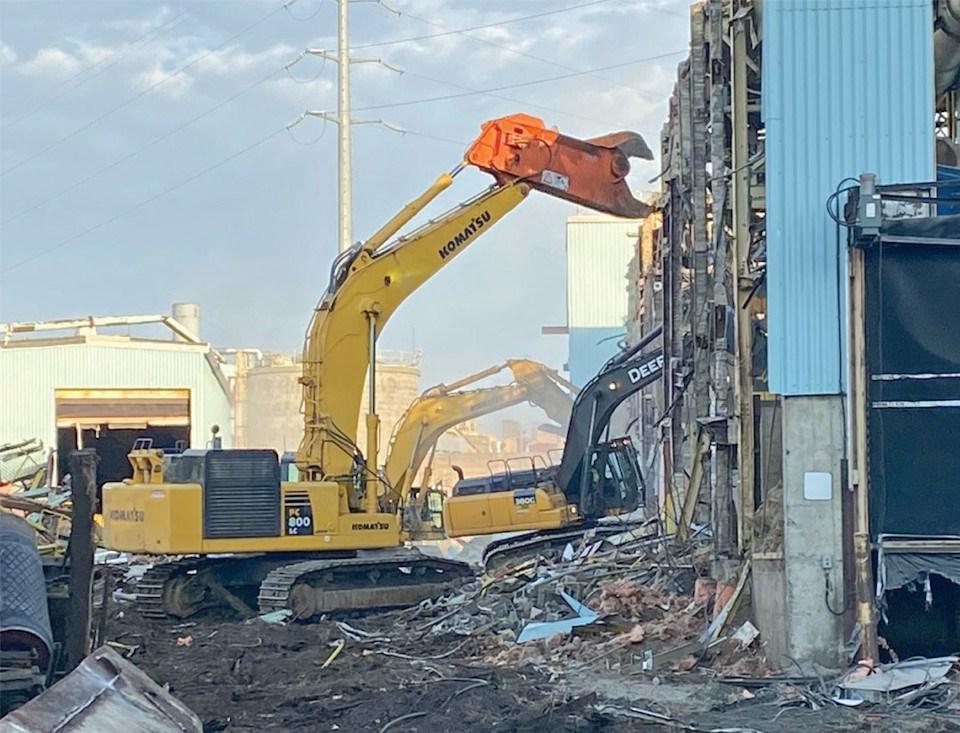 Fort Frances mill demolition (Supplied)