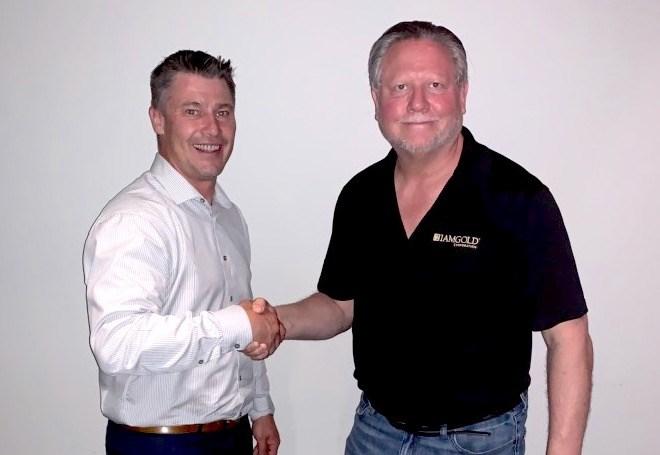 OnEnergy Handshake Photograph