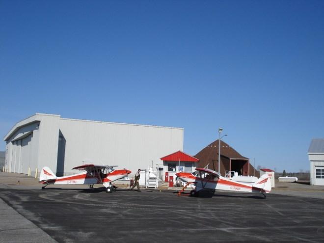Parked aircraft (3)