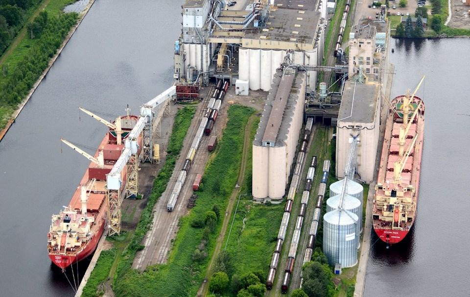Port of Thunder Bay elevators aerial