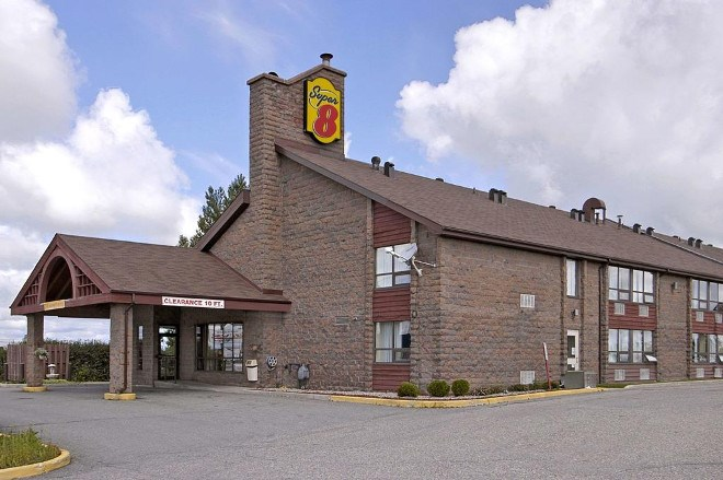 The Super 8 hotel in Timmins has been sold, along with the city's Travelodge location. (Supplied photo)