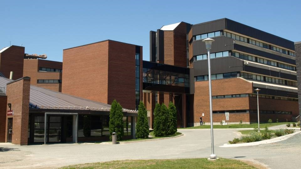 cambrian_college_exterior
