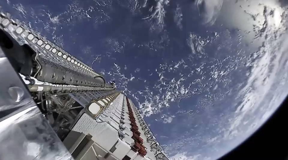 starlink_satellite