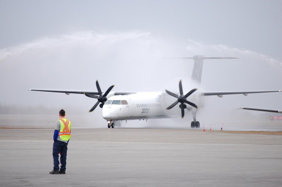porter_airlines_tarmac