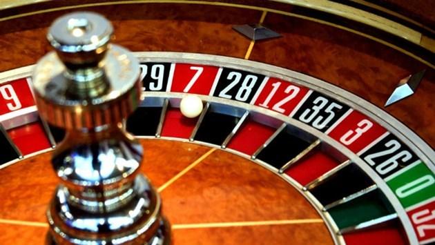 2015-11-26-casino-roulette-wheel
