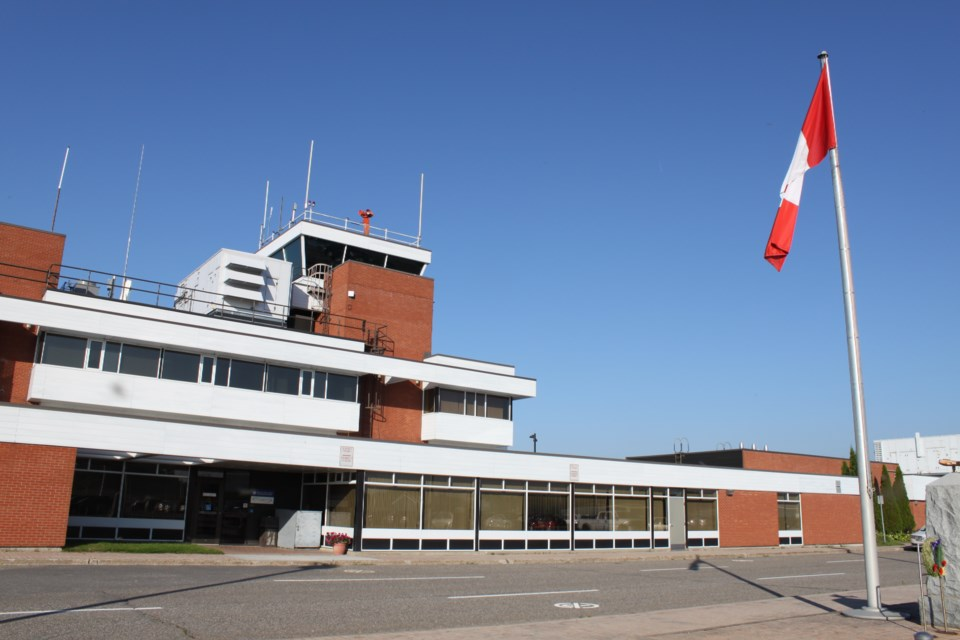 sault_airport1
