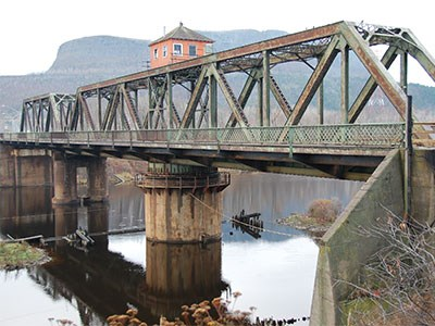James-Street-swing-bridge_Cropped