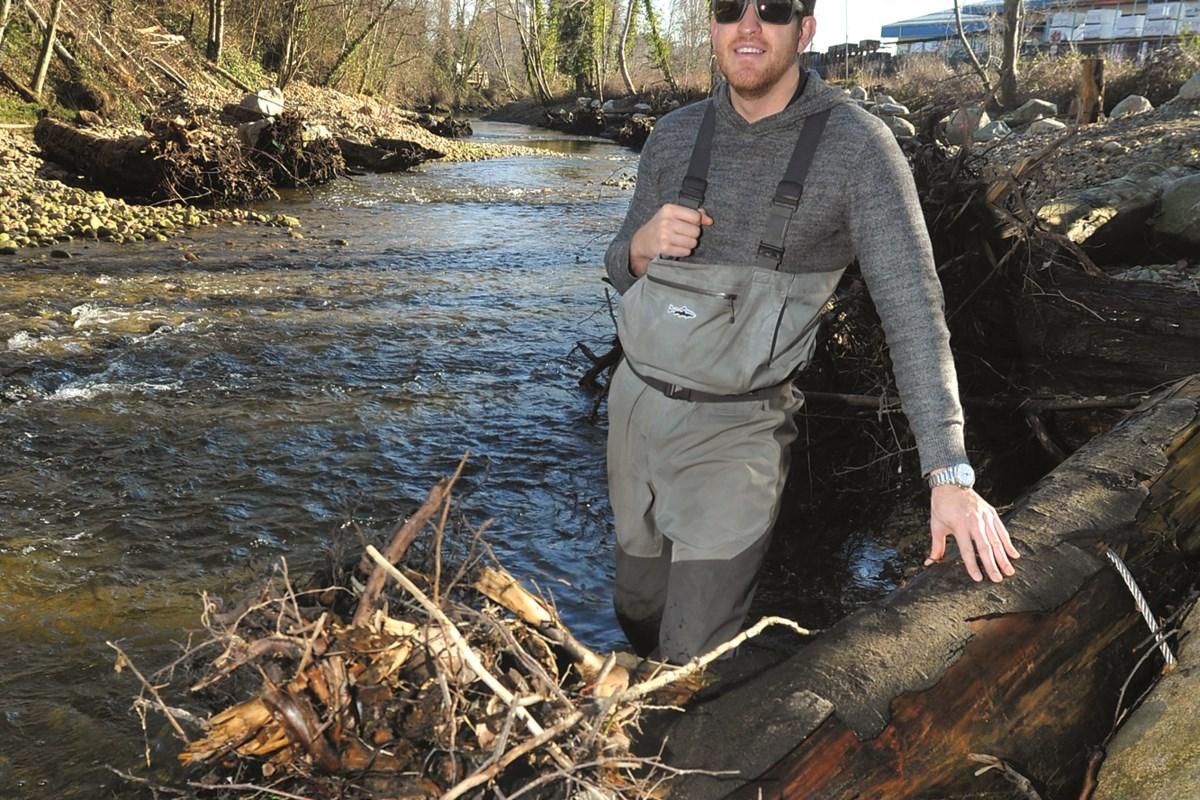 Salmon returning to North Van creek in 'shocking' numbers (VIDEO)