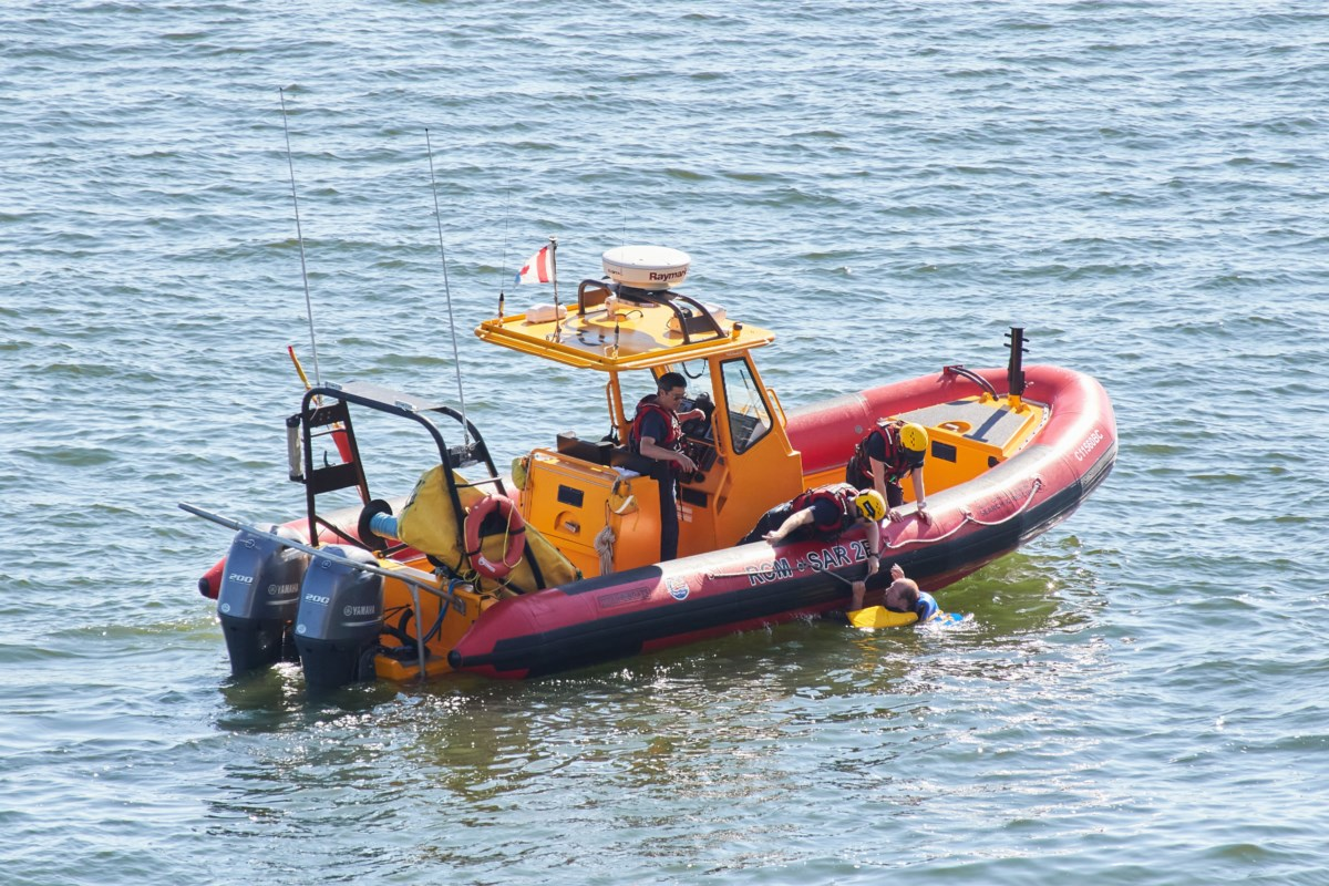 Two rescued after boat capsizes in waters off West Vancouver