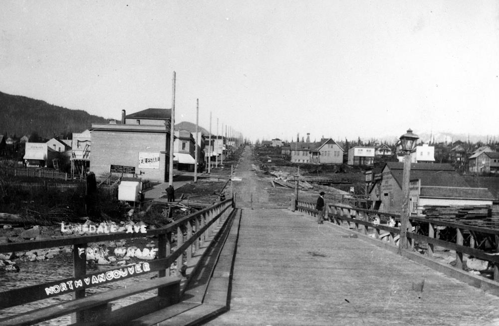 Time Traveller: The coming of electricity prompts the two North Vancouvers to split