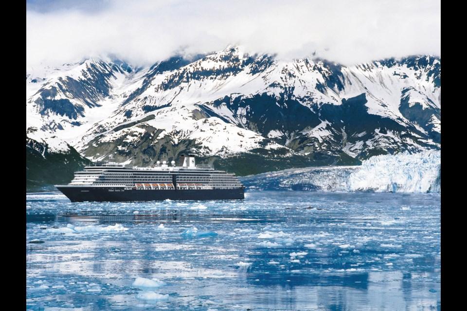 Experience Glacier Bay, Alaska with Holland America Line. (Image via CruisePlus Travel)