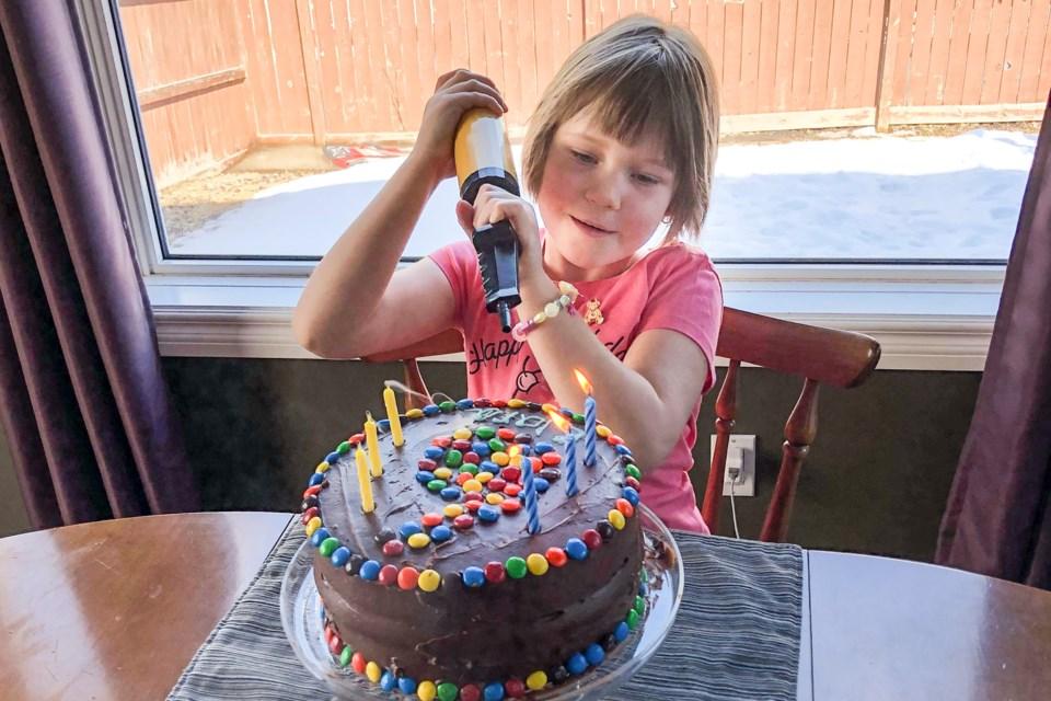 Loved Ones Go The Distance For Okotoks Girl In Isolation On Her Birthday Okotokstoday Ca