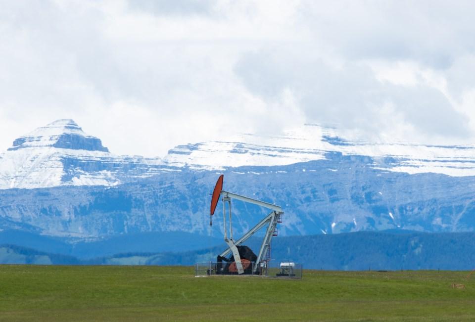 Oil Well Pumpjack 9492