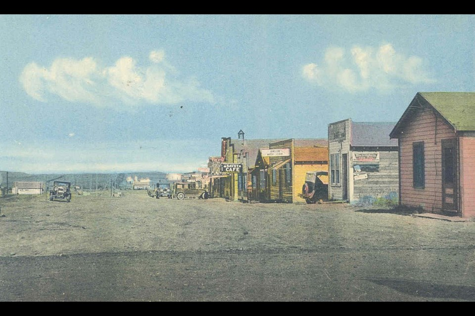 This postcard showcases Little Chicago, or Royalites, during its most bustling years. Date unknown. (Photo courtesy of the Okotoks Museum & Archives)