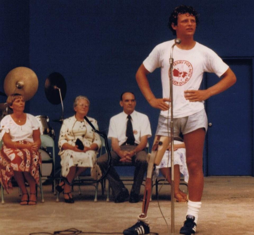 Terry Fox  Orillia July 27 1980.jpg