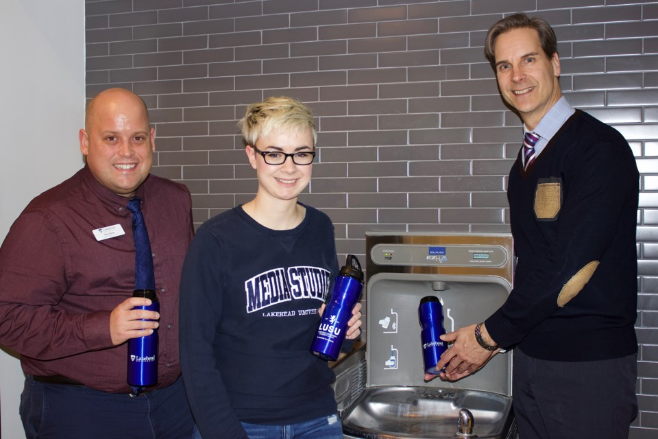 LAKEHEAD-BOTTLE-FREE