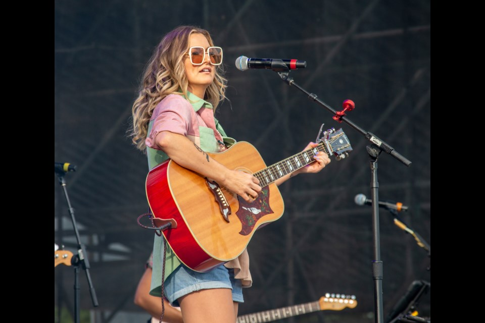 Kelly Prescott kicked off the final Boots and Hearts Endless Summer Series event on Friday night.