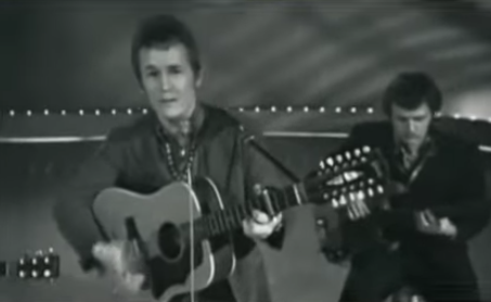 Gordon Lightfoot performs Early Morning Rain at the 1964 Mariposa Folk Festival.