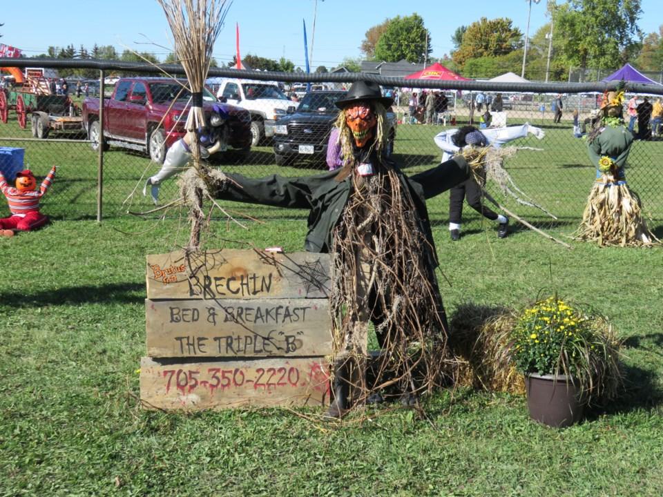 2018-09-05 scarecrow fest1.jpg