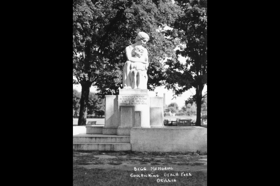 The Begg Memorial, 'Somebody's Mother' is shown in all its glory in 1940 in Couchiching Beach Park.