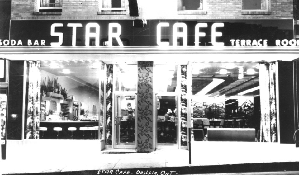 88 Star Cafe c1950 - Edited