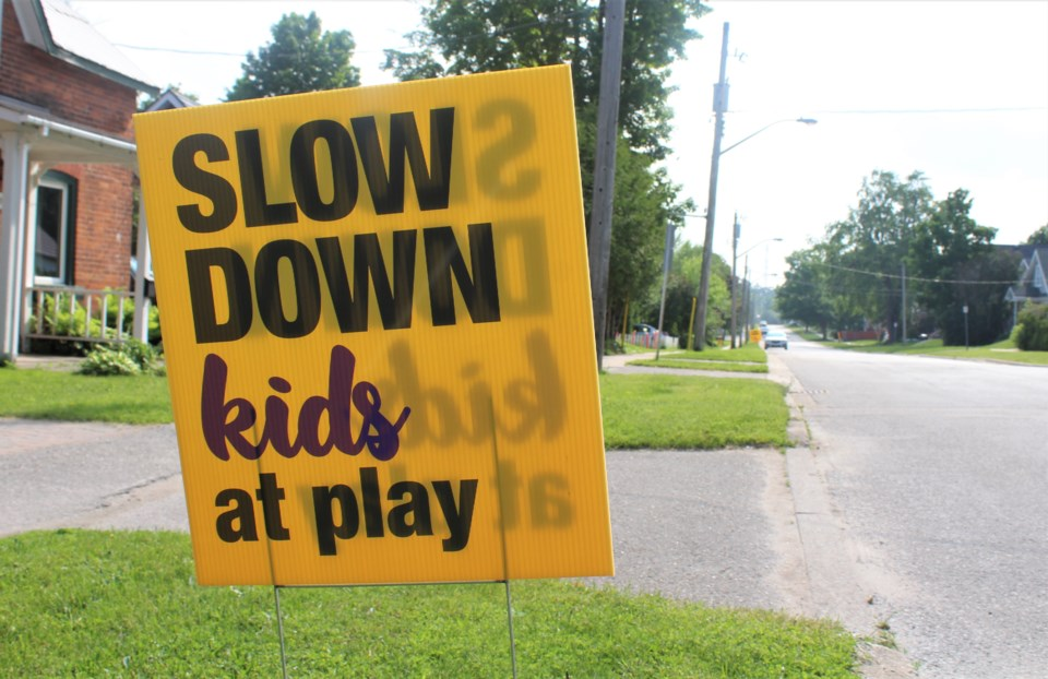 2020-06-10 slow down signs